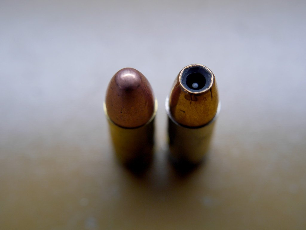 9mm 115 gr Federal FMJ vs 124 gr Federal Hydrashok, Top