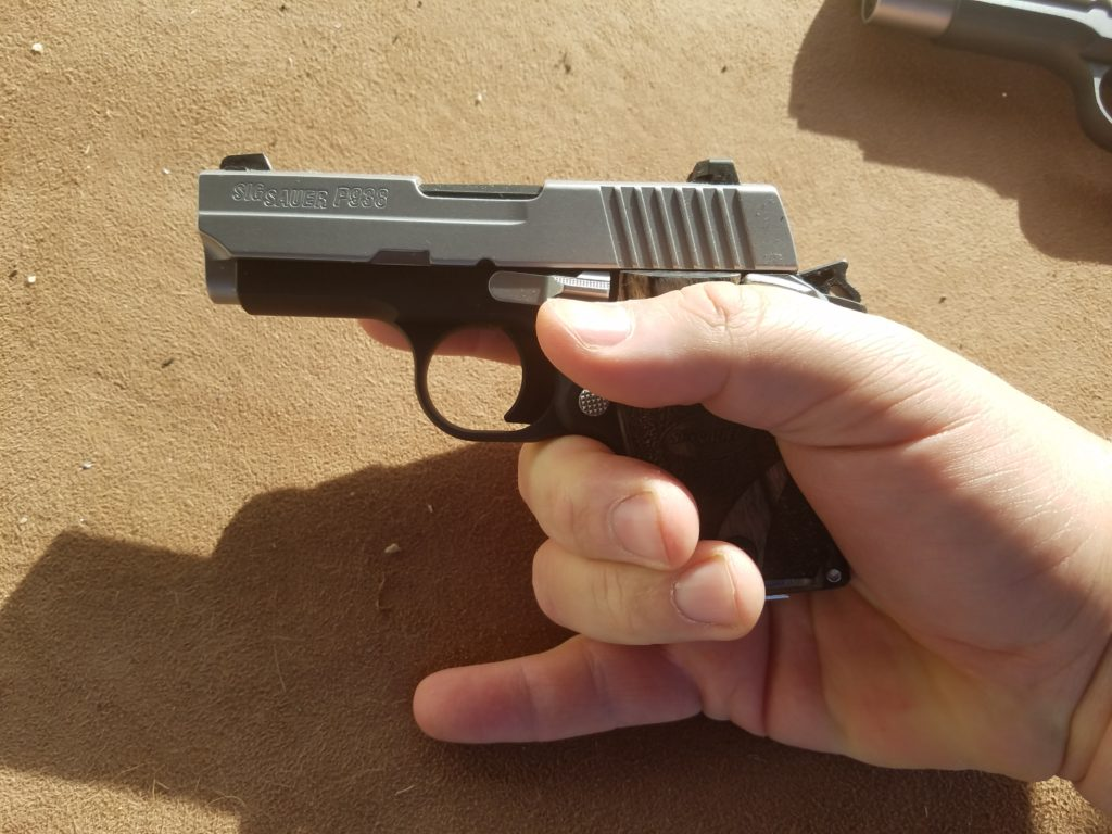 Sig 938 9mm, Pinky Off