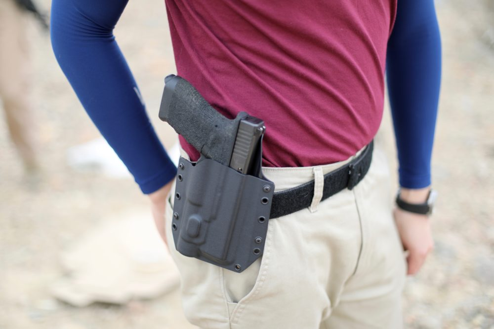 Bravo Concealment with Glock 17 & Streamlight TLR-1