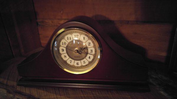 SP Gun Concealment Mantle Clock