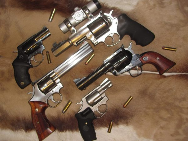 Best Beginner Revolvers Six Guns For Everyone Pew Pew
