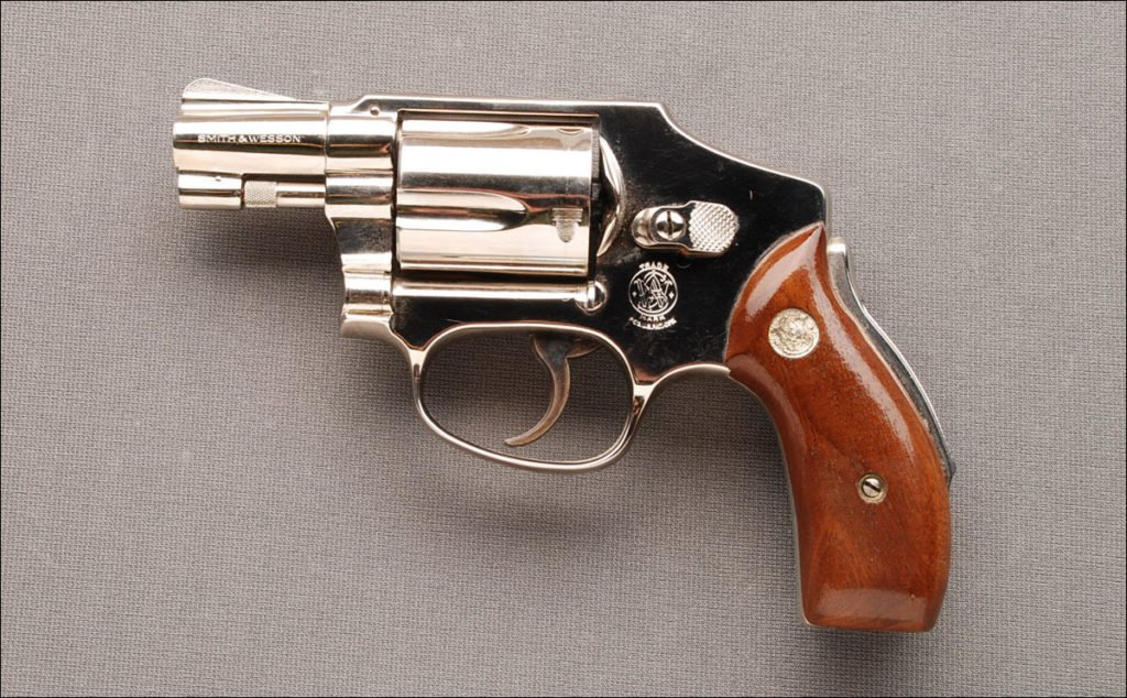 Review] Smith & Wesson 642 Airweight: Go-To Snubbie? - Pew