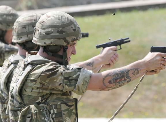 UK Glock 17