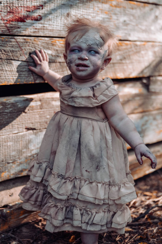 zombie-baby-halloween-photoshoot-tiffany-renfroe-4-5db69e26bb494__700