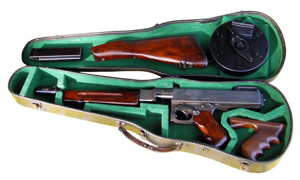 Thompson_in_violin_case
