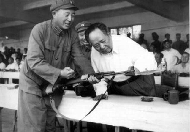 Chairman Mao inspecting SKS at Jianshe Arsenal