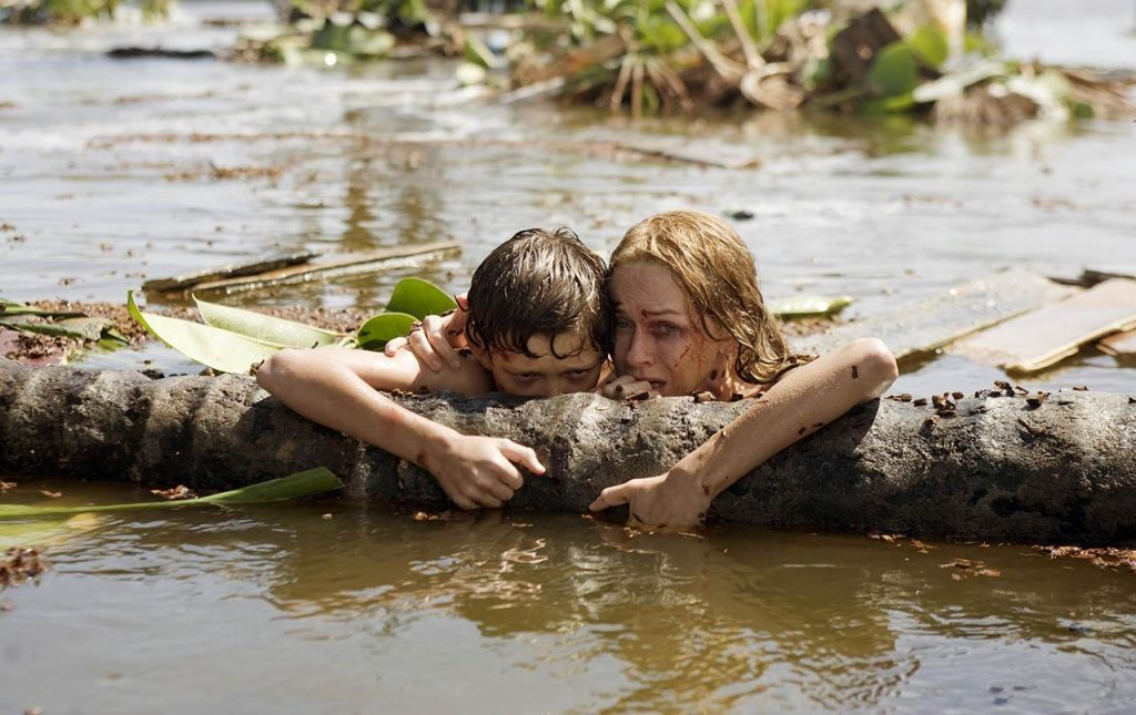 Naomi Watts and Tom Holland The Impossible