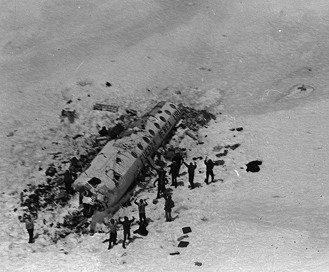 The actual plane crash from Alive